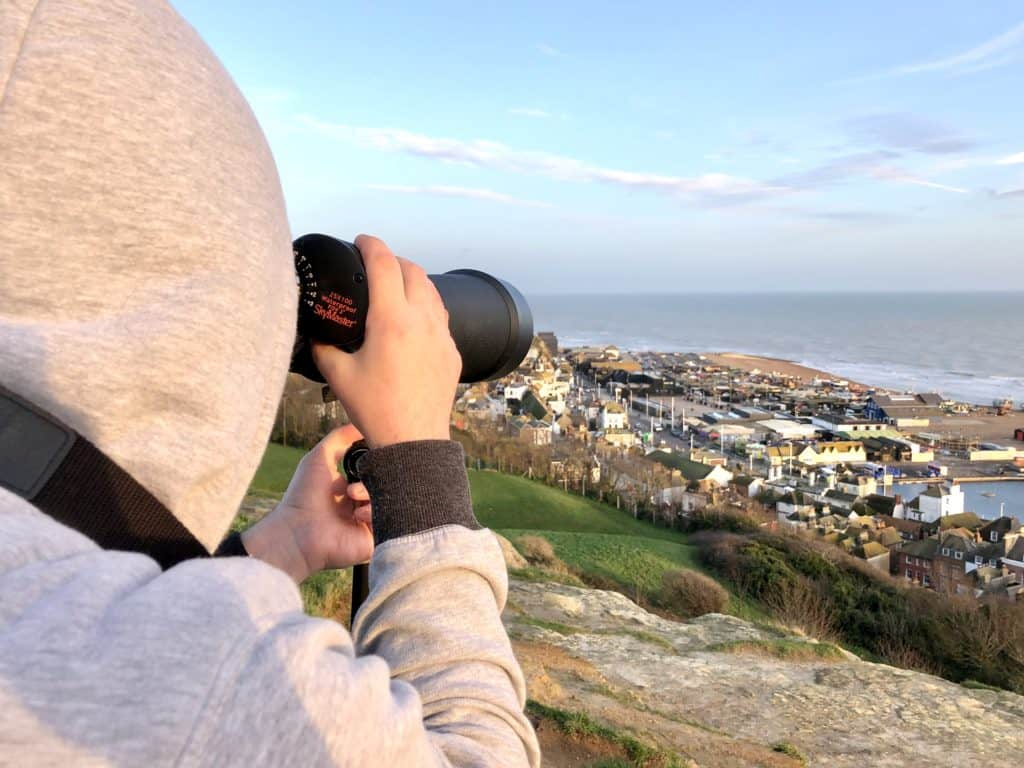 are binoculars bad for your eyes?